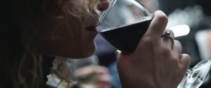 Alcol e Covid-19, quali rischi si corrono?